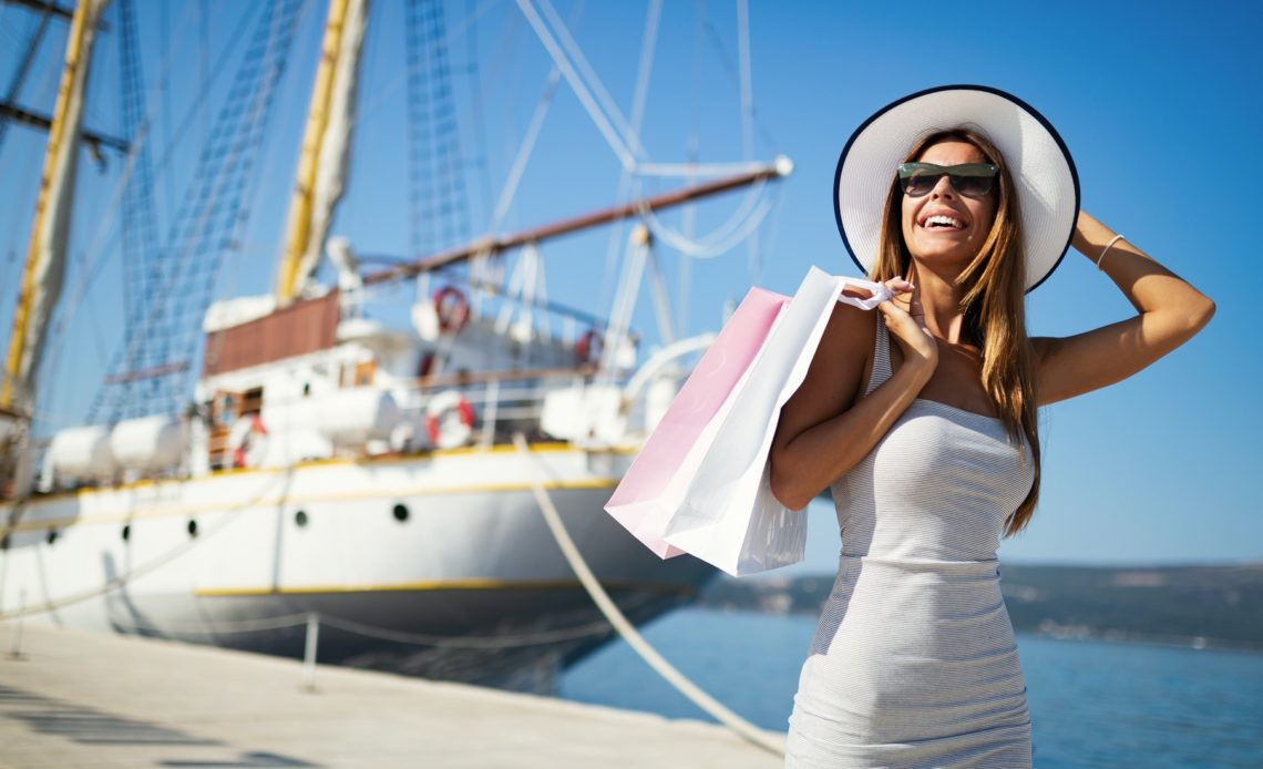 Shopping and tourism at Positano