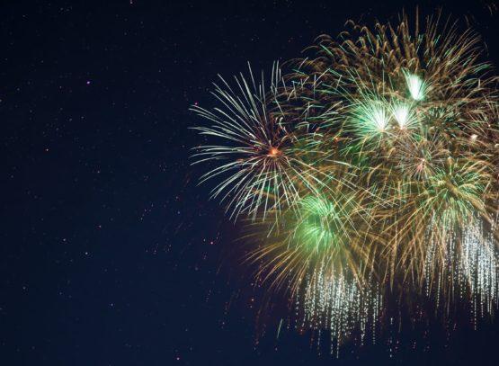 Sparkling golden green fireworks